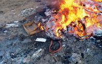 Membakar Sampah di Pekarangan Bahayakan Kesehatan, Ini Penjelasannya