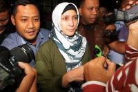Ironis! Ekspresi Berbeda Kalapas Sukamiskin dan Artis Inneke Koesherawati saat Diperiksa KPK