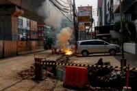 Berbahaya, Kabel Milik PLN Terbakar di Panglima Polim