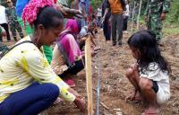 Intip Kiprah Prajurit TNI yang Tak Lelah Ajarkan Suku Anak Dalam