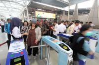 Siang Ini Sistem <i>E-Ticketing</i> KRL Kembali Normal