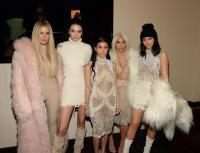 """WOW! Kanye West Pengin """"Nyobain"""" Seluruh Adik Kim Kardashian, Fantasi Berlebihan atau Normal?"""