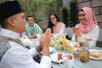 Berbagi Kehangatan Keluarga dengan Nikmati Manisnya Sajian Idul Adha