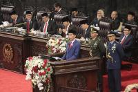 Jokowi Pamer Ekonomi RI di Tengah 'Badai' Global
