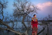 Melihat Keindahan Alam dan Wastra Nusantara dari Karya Fotografi di Momen Perayaan Kemerdekaan