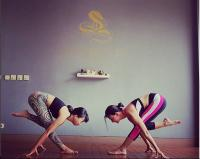 Terlalu Cinta dengan Yoga, Wanda Hamidah Bakal Bikin Yoga Gratis untuk Semua Orang!