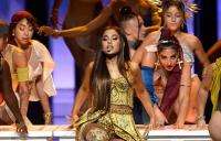 Manggung di MTV VMA 2018, Ariana Grande Kenakan Busana Karya Desainer Indonesia