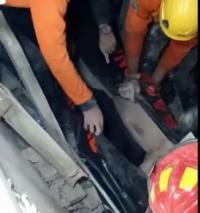 Pria di Semarang Tewas Tertimpa Bangunan yang Roboh Diterpa Angin Kencang