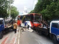 Kesaksian Penumpang Bus Transjakarta Terguling, Sopir Diduga Ngantuk