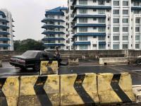 Jalan Layang Antasari Sempat Ditutup Dampak Mobil Tabrak Beton Pembatas