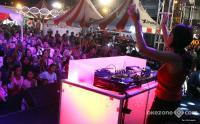 Pecah! DJ Yasmin Hentak Panggung XPANDER Tons of Real Happiness Makassar