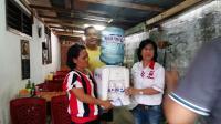 Peduli Pedagang Kecil, Gerkindo Bagikan Dispenser dan Galon Air di Manado