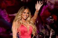 Mariah Carey Pakai Gaun Ketat Super Seksi saat Konser, Seperti Apa Penampilannya?