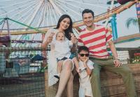 Tiru Cara Titi Kamal dan Christian Sugiono Ajari Anak Cuci Tangan Pakai Sabun