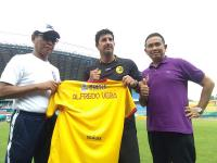 Resmi Didapuk Jadi Pelatih Sriwijaya FC, Alfredo Vera Dibebankan Target Khusus