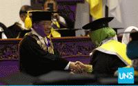 UNS Panen <i>Cum Laude</i> Terbanyak, Rektor: Wisudawan Harus Jadi Kaum Intelektual yang Solutif