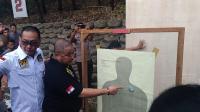 Polisi Jajal Senjata Glock 17 yang Digunakan Tersangka Penembakan Gedung DPR