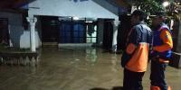 Bangun Tanggul dan Tim Tanggap, Solusi Anies Tangkal Banjir di Cipinang Melayu
