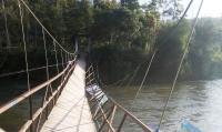 Jembatan Gantung Putus, Puluhan Warga Jatuh ke Sungai
