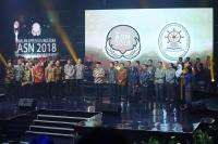 "Sutopo BNPB Raih Penghargaan ""The Most Inspirational ASN 2018"""