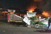 Siapa 200 Orang yang Berani Membakar Polsek Ciracas?