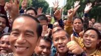 Tak Hanya dengan Satpam, Jokowi Juga Buat Vlog dengan 600 Pendamping Penerima PKH