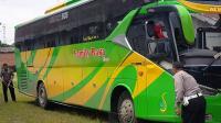 Ugal-ugalan, Bus Family Raya Terguling Tewaskan Satu Orang