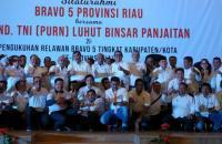 Luhut Kukuhkan Tim Bravo 5 Pemenangan Jokowi di Pekanbaru
