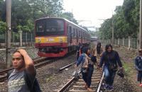 Gangguan Listrik Aliran Atas, KRL Tanah Abang-Pondok Ranji Tertahan