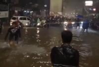 Hujan Deras pada Minggu Dini Hari, Ciledug Raya Tergenang Banjir