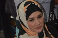 Mulan Jameela Lepas Kangen dengan Ahmad Dhani di Rutan Medaeng