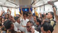 Bawa Sejumlah Menteri, Jokowi Jajal MRT Bikin Heboh Warga