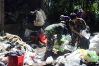 Bedah Rumah Seorang Pemulung, Petugas Temukan Uang Rp45 Juta & Emas