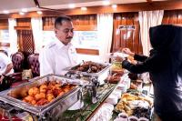 Asyiknya, Menpar Arief Yahya Naik Kereta Wisata Retro ke Bandung