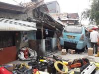 1 Orang Meninggal dan 3 Lainnya Terluka Akibat Rumah Ambruk di Tanah Tinggi