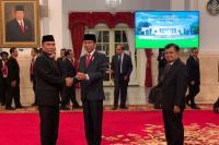 Jokowi Lantik Hinsa Siburian Jadi Kepala BSSN