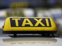 Kembalikan Dompet Penumpang, Sopir Taksi Mumbai Jadi Viral Karena Kejujurannya