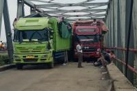 Jembatan Way Mesuji Ambles, Lalin Lampung Menuju Sumsel Lumpuh