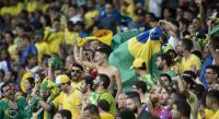 Filipe Luis Geram Timnas Brasil Diejek Suporter