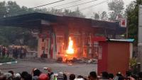 SPBU Hangus Terbakar Akibat Ledakan Mobil