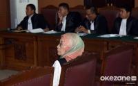 Minta Dirujuk ke RS karena Darah Tinggi, Hakim Ketua Imbau Ratna Sarumpaet Atur Emosi