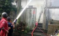 Rumah Mewah Mantan Caleg Terbakar, 1 Penghuni Terluka