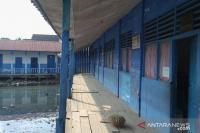 Ironi Gedung Sekolah Tak Layak di Palembang, Berdiri di Atas Rawa dan Dikelilingi Hotel Mewah