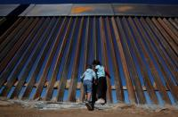 Foto Ayah dan Putrinya yang Mati Tenggelam Menggambarkan Kondisi Mengerikan di Perbatasan AS-Meksiko
