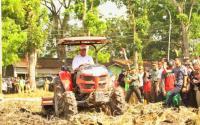 Kementan Salurkan Bantuan 7 Cultivator untuk Petani Meranti
