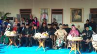 Anies Disambut Palang Pintu Oleh Para Jawara di Acara Lebaran Betawi