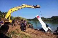 Bangkai Pesawat Cassa yang Jatuh di Indramayu Berhasil Dievakuasi