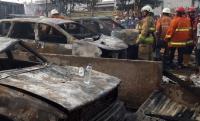 Parkiran Mobil di Pademangan Terbakar, 17 Unit Damkar Dikerahkan