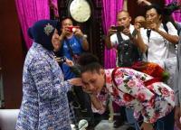 Risma: Hubungan Masyarakat Surabaya & Warga Asli Papua Berjalan Baik seperti Saudara