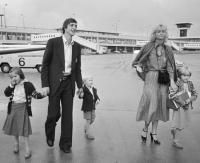 Perjalanan Cinta Cruyff dengan sang Istri yang Jauh dari Prahara